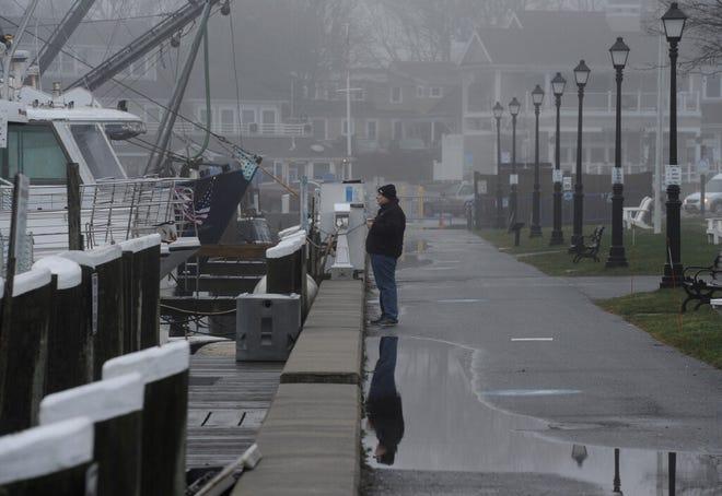 Mist moves in on the Ocean Street Docks
