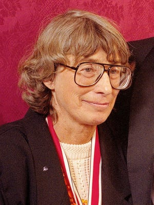 """Mary Oliver appears at the National Book Awards in New York in 1992 where she received the poetry award for her book """"New and Selected Poems."""" Oliver, a Pulitzer Prize-winning poet whose rapturous odes to nature and animal life brought her critical acclaim and popular affection, died  at her home in Hobe Sound, Fla. The case of death was lymphoma. She was 83. (ASSOCIATED PRESS FLIE)"""
