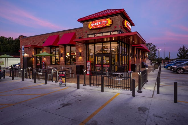 The Pennsylvania gas station and restaurant chain Sheetz plans to soon open the first of many stores planned in central Ohio.