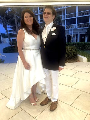 Laura Ferber Hazen and John Block Bergman PHOTO BY DR. RICHARD BUDSON
