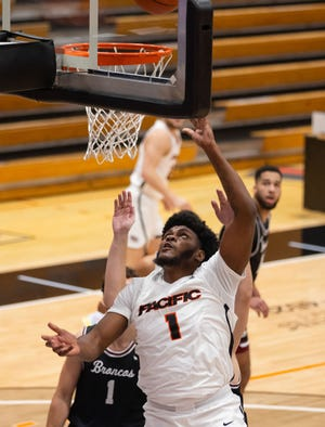 Pacific Tigers forward Jordan Bell (1) makes a lap during the first half of the WCC men's basketball game Jan. 14 at Spanos Center in Stockton.