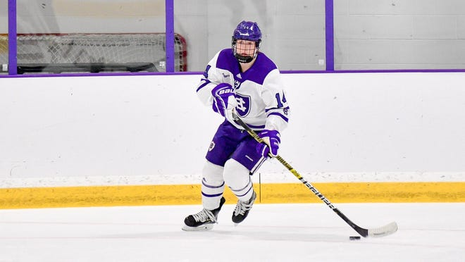 Senior defenseman Allison Attea scored the winning goal on the power play Friday as Holy Cross edged Maine, 2-1.