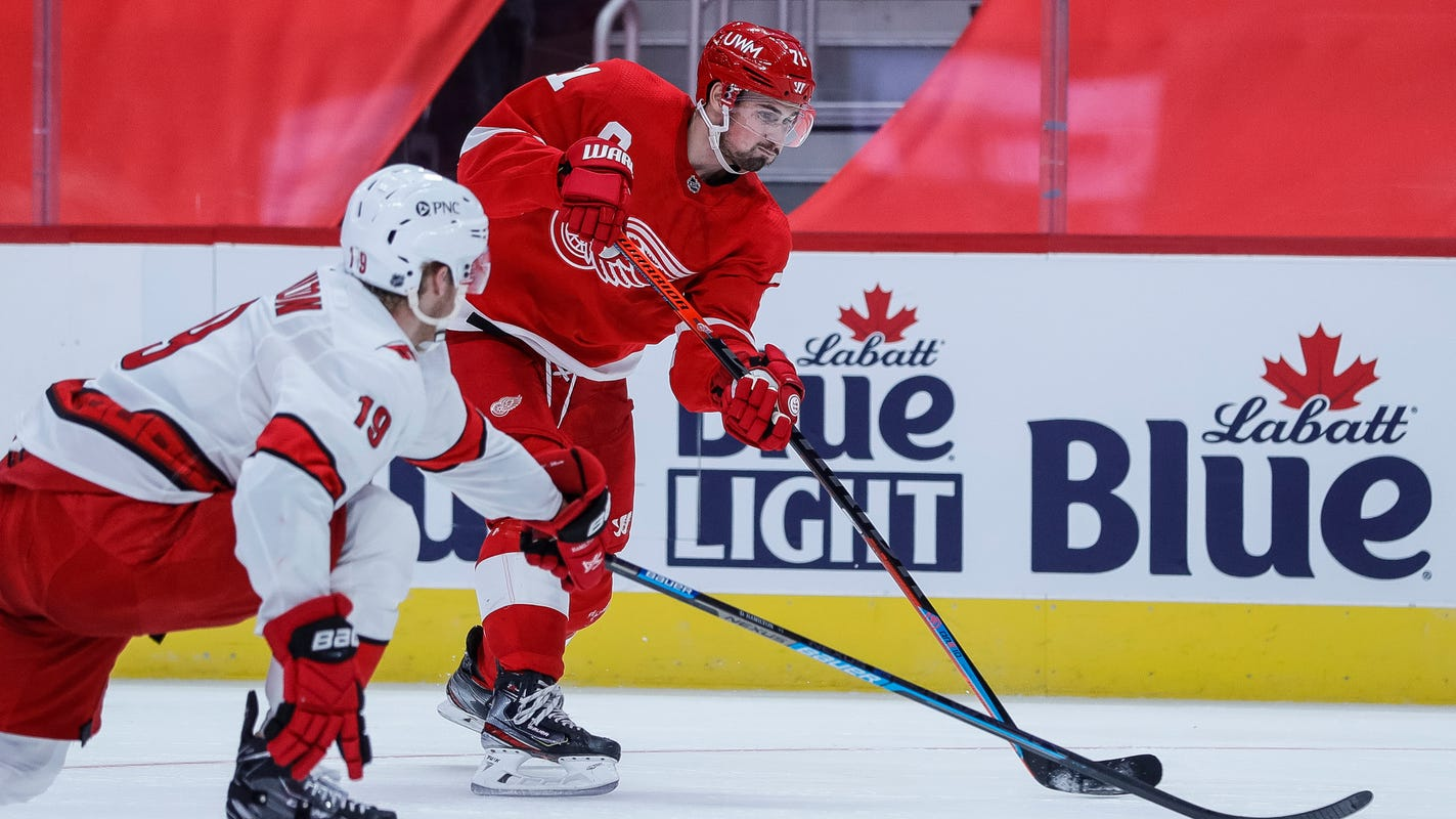 Detroit Red Wings eye quick redemption after opening night loss to Carolina Hurricanes