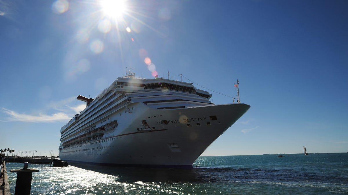 Carnival Cruise bookings surge even with fleet sidelined 1