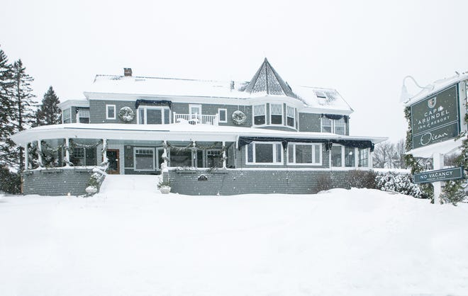 The Cape Arundel Inn in Kennebunkport, Maine, usually closes after New Year's Eve and reopens in the spring. This year, it is staying open during January and February.