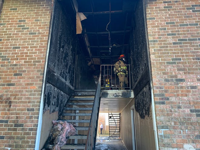 Lafayette firefighters have put out a fire at an apartment complex on the north side.