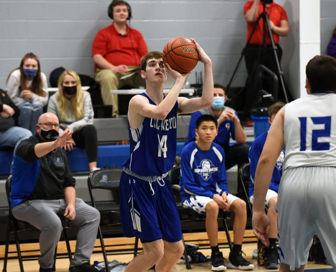 Bradley Thomas scored 14 points and came up with a clutch defensive steal late to help seal Colo-NESCO's 57-47 win at Collins-Maxwell Friday in Maxwell.