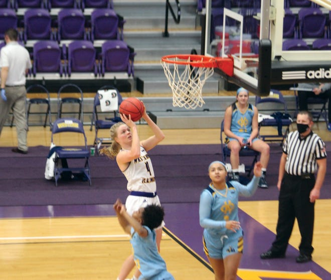 Danni Nichols goes up for a shot during Friday's Western Illinois women's basketball game against Kansas City