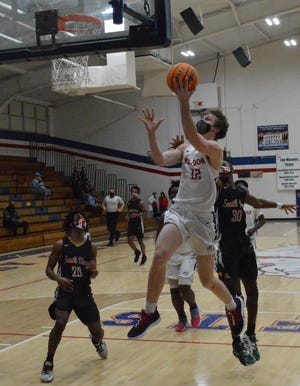 Terry Sanford's Davis Molnar (12) scored a career-high 38 points in the Bulldogs' 91-59 rout of South View on Friday night.