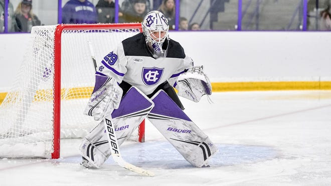 Junior goalie Erik Gordon had 30 saves for Holy Cross men's hockey in a 1-0 loss to No. 20 AIC.