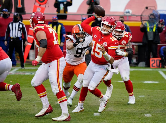 Chiefs quarterback Patrick Mahomes suffered what was believed to be a concussion in the Chiefs victory over the Browns Sunday. His status for the AFC Championship game will likely be the biggest story of the week.