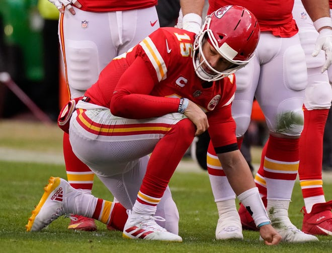 Patrick Mahomes was ruled out with a concussion.