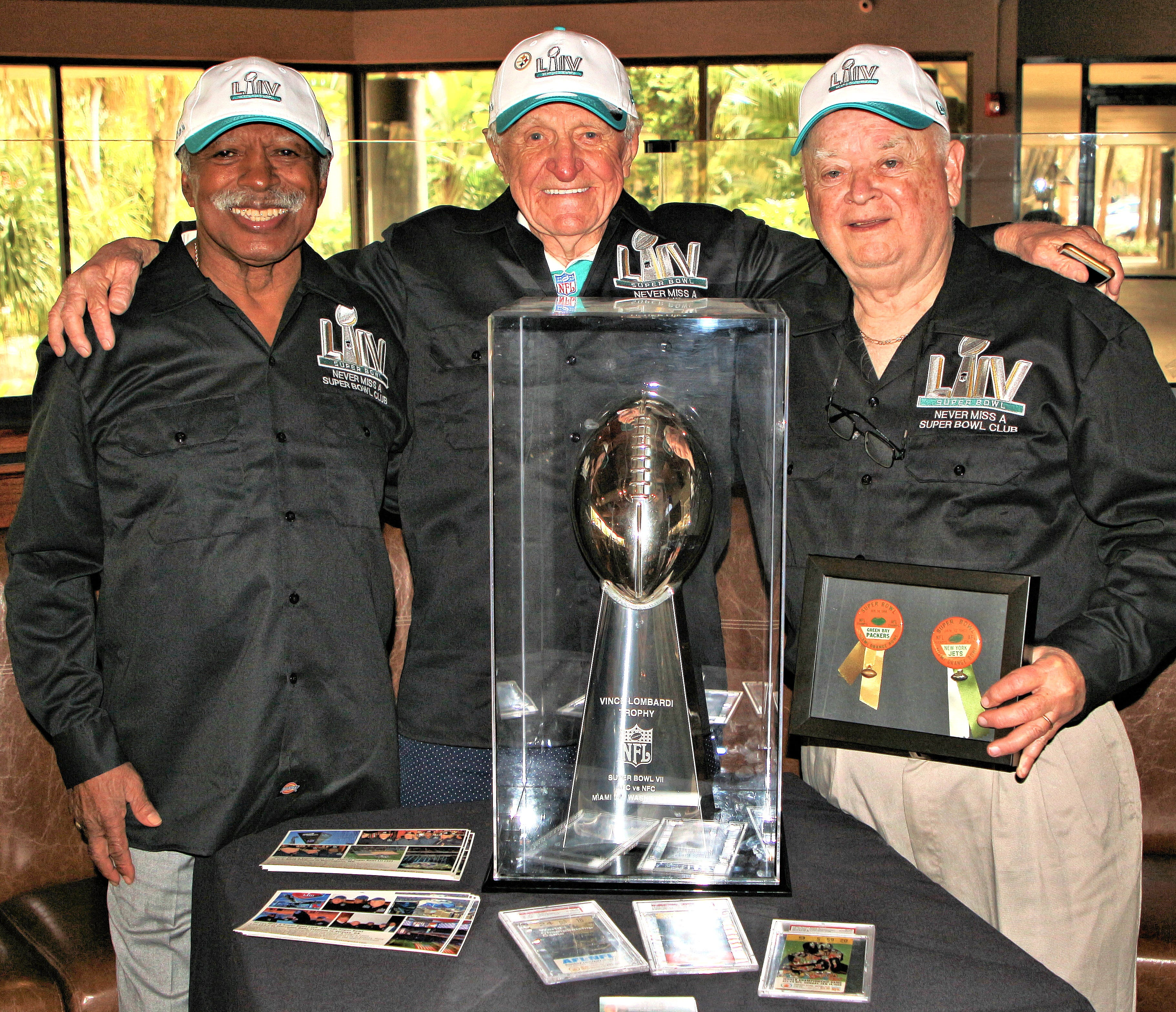 It s about friendship : Super Bowl Five and Never Miss A Super Bowl members have seen it all