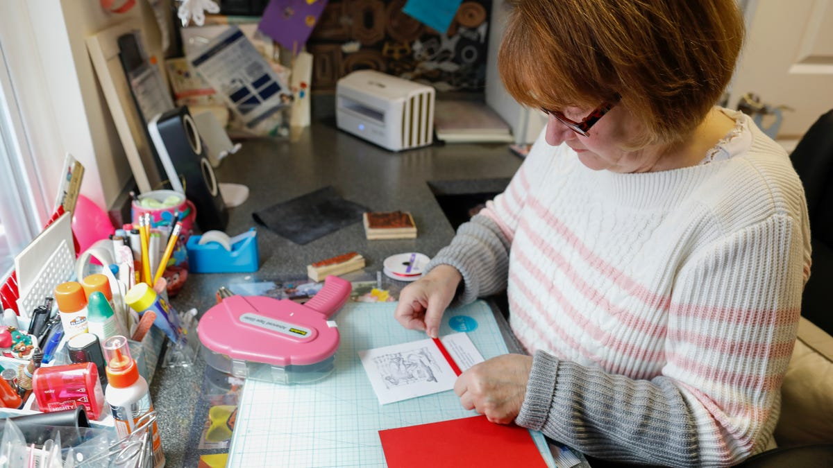 Card crafter says giving back is a joy: 'Don't ever waste a moment. Make each one count.'