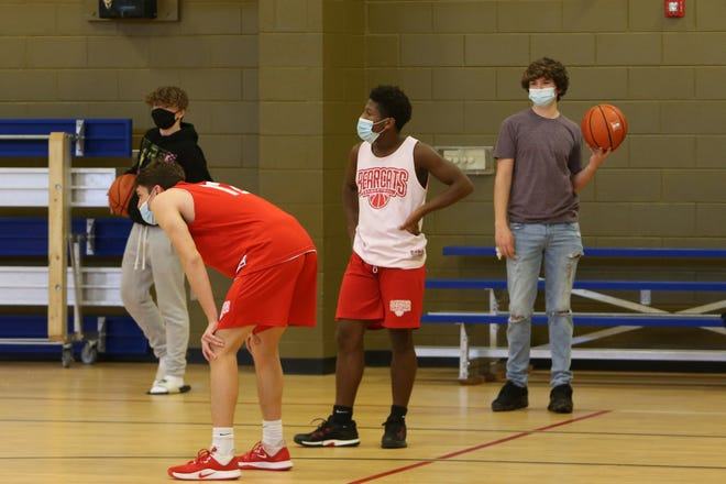 Hendersonville's players participate in practice on Dec. 28 at the Boys and Girls Club of Hendersonville. The team returned from quarantine on Tuesday, as it began its season at Franklin.