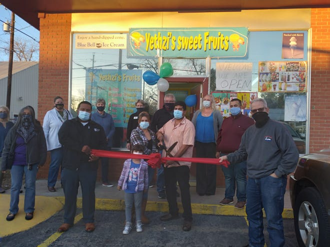 The Smithville Area Chamber of Commerce held a ribbon cutting ceremony for Yethzi's Sweet Fruits at 200 NW Loop 230 on Jan. 7.