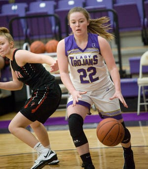 Sebring McKinley's Emma Whaley drives to the basket in a non-conference game against Lordstown Monday, January 18, 2021.