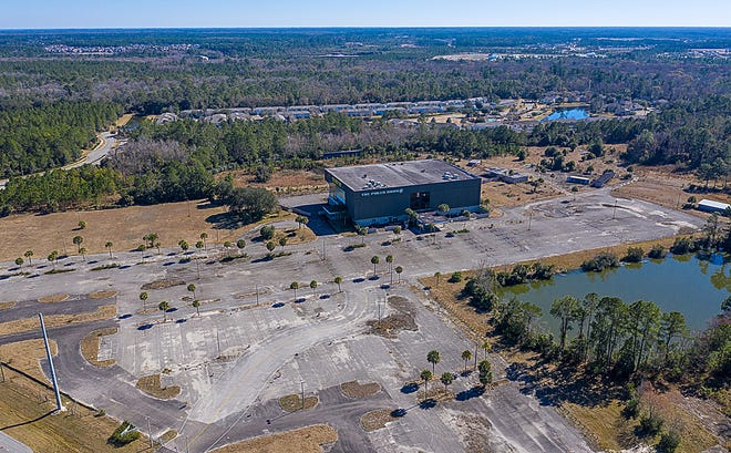 The St. Johns County Commission approved on Tuesday a mixed-use development on this 103-acre site located at the intersection of U.S. 1 North and Race Track Road. The project is called Grand Cypress and will include 915 multifamily homes and 250,000 square feet of commercial and office space.