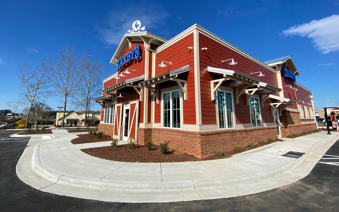 A new Zaxby's location will open next to the current restaurant on Monday.