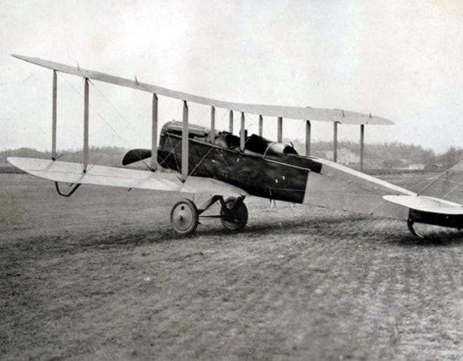 The type of plane William Moran flew to Clinton to visit his mother.