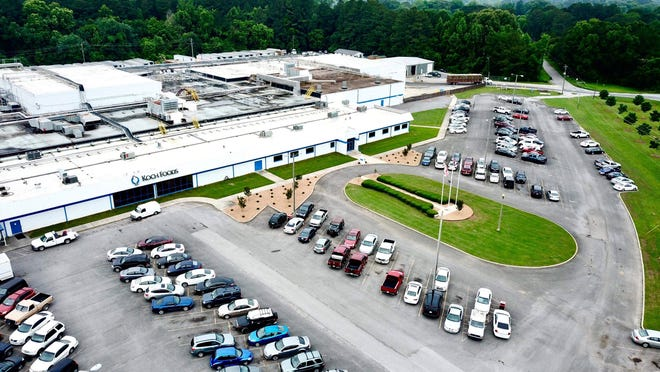 The Gadsden City Council on Tuesday approved incentives to Koch Foods for an expansion to its East Gadsden plant that will mean 135 new jobs.