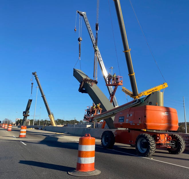 Welding on the arches of this Interstate 20/59 bridge in Tuscaloosa will close lanes of McFarland Boulevard on Friday and Saturday nights, state road officials said. [Staff file photo/Gary Cosby Jr.]