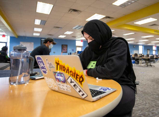 Alaa Amrouch studies in the TCC Learning Commons Tuesday, Jan. 19, 2021.