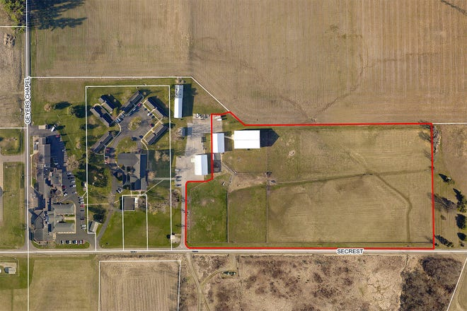Wayne County is accepting bids for a 10-acre horse arena complex.