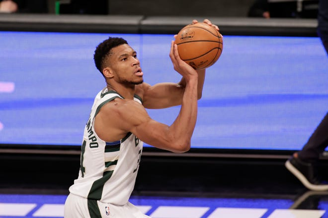 Giannis Antetokounmpo and the Milwaukee Bucks host the Los Angeles Lakers on Thursday night.