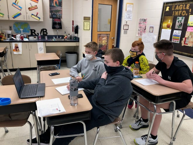William Crawford Intermediate School students participate virtually in the Academic Challenge.