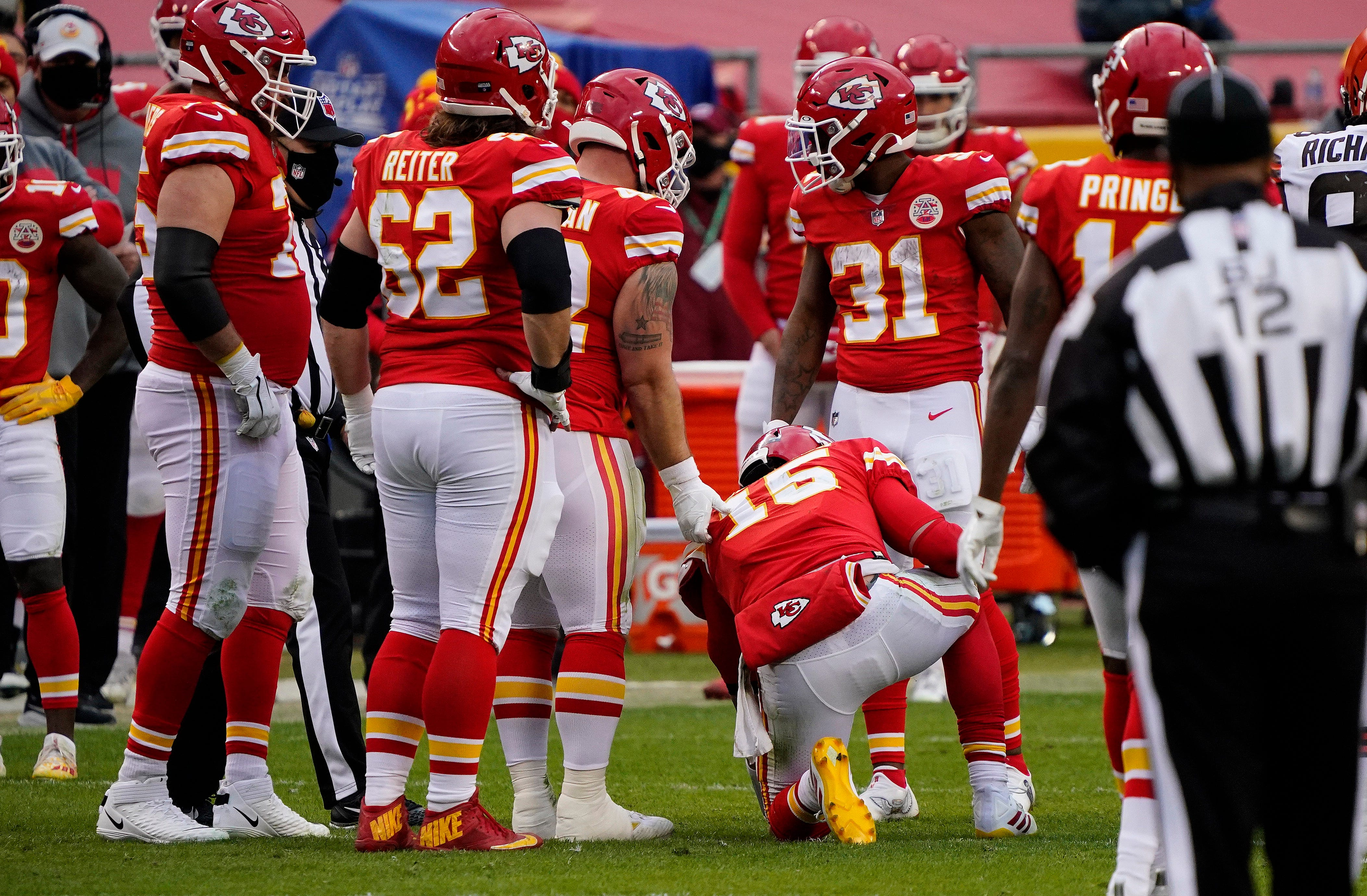 Kansas City Chiefs QB Patrick Mahomes takes 'all the snaps' in practice as concussion protocol continues