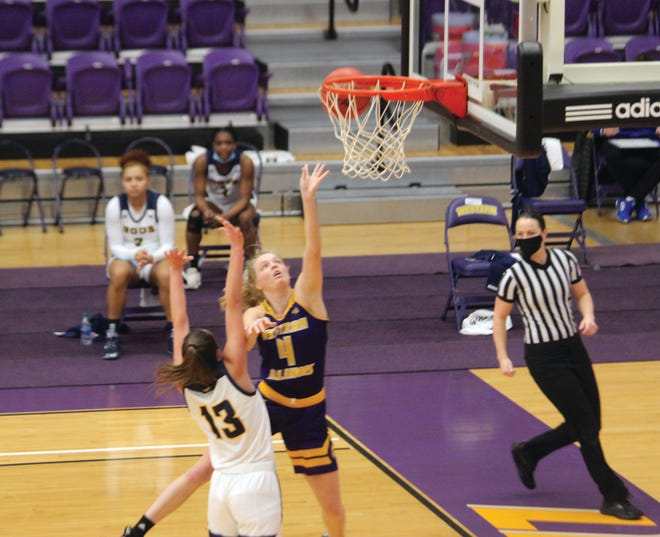 Western Illinois' Danni Nichols goes to the basket during last Saturday's game against Kansas City.