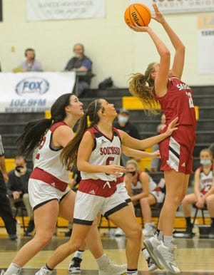 Sardis' Jayda Lacks goes up for a shot in front of Southside's Ally Gilliland, left, and Sydney Yancey during the semifinals of the Etowah County girls basketball tournament at Glencoe High School on Wednesday, Jan. 20, 2021.