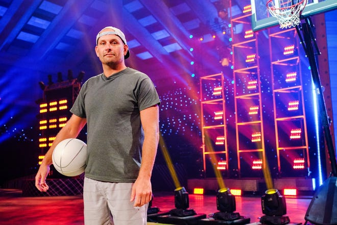 """David Kalb, a 2000 graduate of Wynford High School, competed on TBS' """"Go-Big Show"""" Thursday night but lost to a Texas rattlesnake handler."""