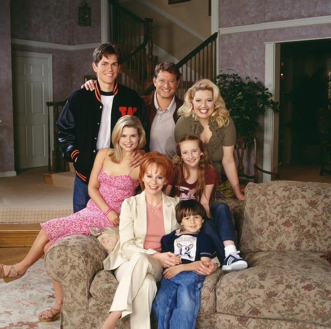 "Country singer Reba McEntire showed off her acting chops on ""Reba."" The series co-starred (clockwise from upper left) Steve Howey, Christopher Rich, Melissa Peterman, Scarlett Pomers, Mitch Holleman and JoAnna Garcia Swisher."