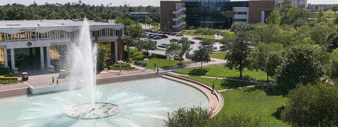 The Orlando campus of the University of Central Florida features an 18,000-square-foot fountain in a reflecting pond.