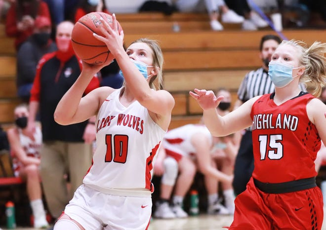 W-MU senior Jami Wilkerson goes in for a layup after she stole the ball at the other end of the court  in the Wolves' win over Highland.