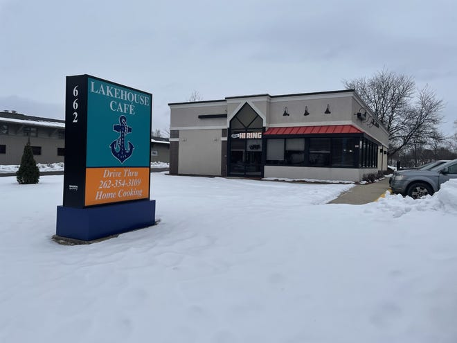 Lake House Cafe has opened at the site of the former Arby's at 662 E. Wisconsin Ave. in Oconomowoc.