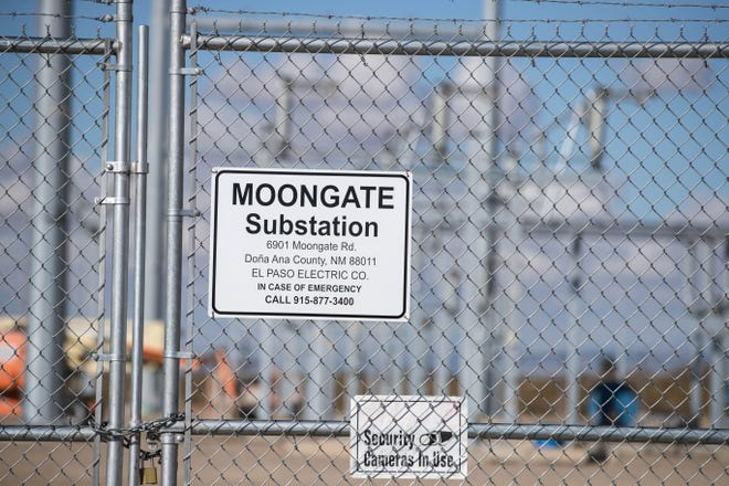 El Paso Electric Company builds a substations near Moongate and Centro Roads in Las Cruces on Friday, Jan. 22, 2021.