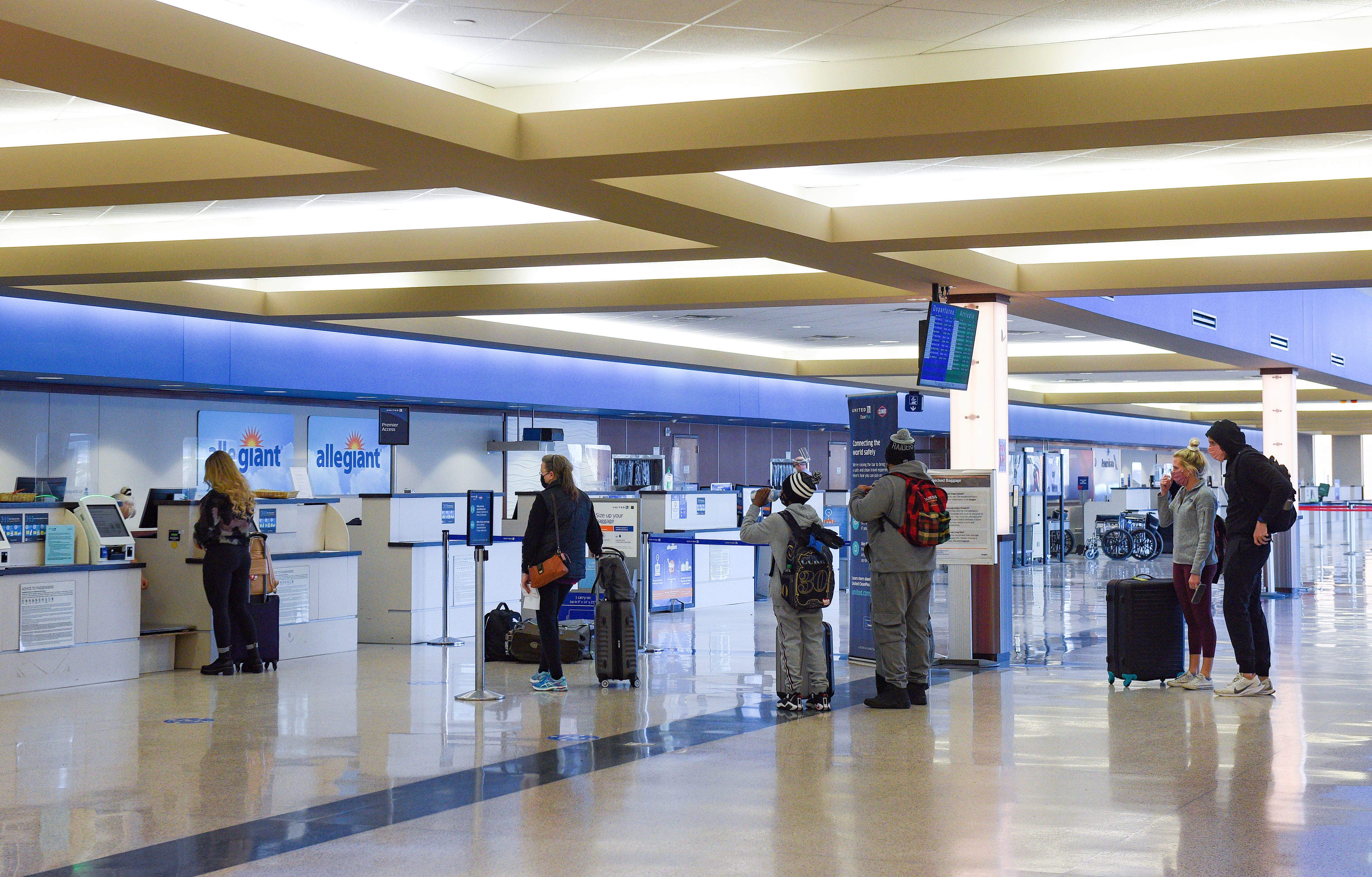 COVID-19 dropped Sioux Falls Regional Airport passengers by nearly 50% in 2020