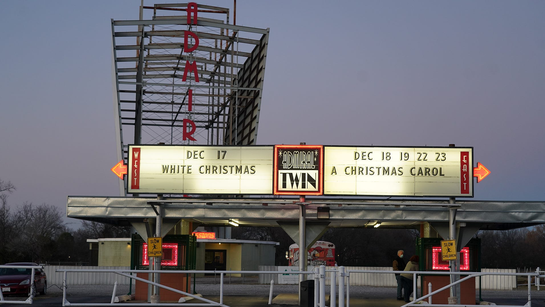 Tulsa Christmas 2021 Small Movie Theater In Tulsa Ok Gains An Audience During Pandemic