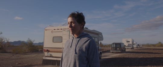 Fern (Francis McDormand) sets off with his confidant van Vanguard, stirring up the new drama Nomadland.