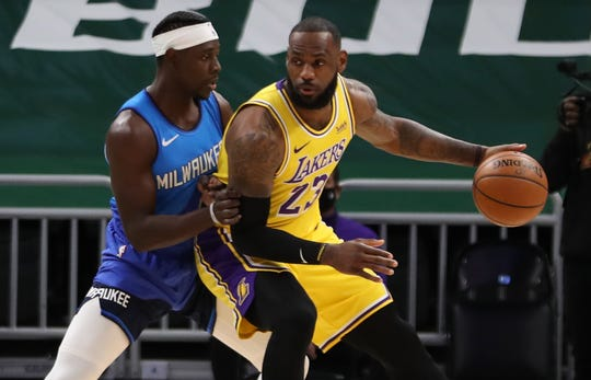 LeBron James scored 34 points in the Lakers' win over the Bucks on Thursday night.
