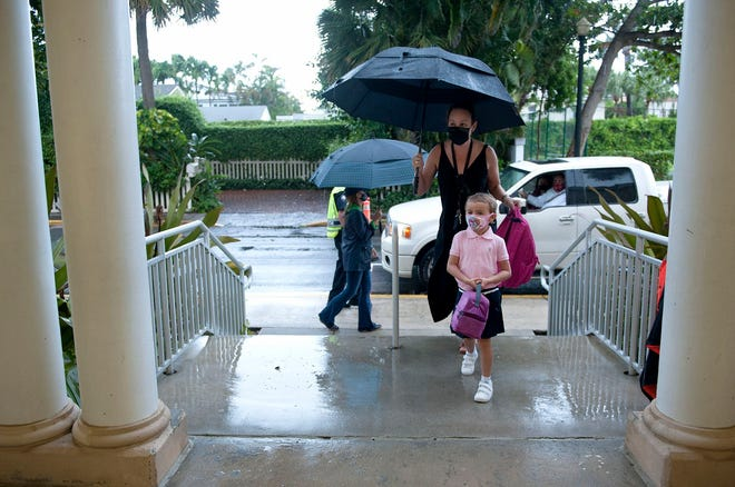 Students arrive for the first day of on-campus learning at Palm Beach Public Elementary School Monday September 21, 2020 in Palm Beach.  [MEGHAN MCCARTHY/palmbeachpost.com]