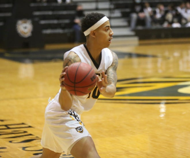 Jordan Pumphrey scored a career-high 19 points in FHSU's loss at Pittsburg State on Saturday.