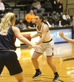 Jaden Hobbs scored 26 points in the Tigers' win at Pittsburg State on Saturday.