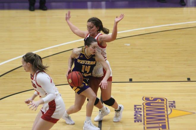 Western Illinois' Elizabeth Lutz goes to the basket during Saturday's game against South Dakota.