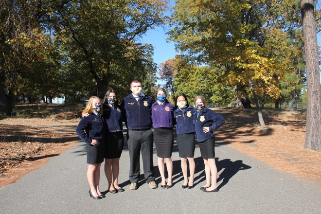 The Etna FFA 2020 officers.