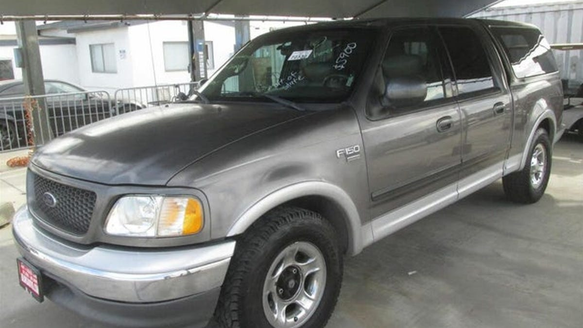 Fort Myers police seeking Ford Expedition following fatal hit-and-run on Fowler at Carrell 2