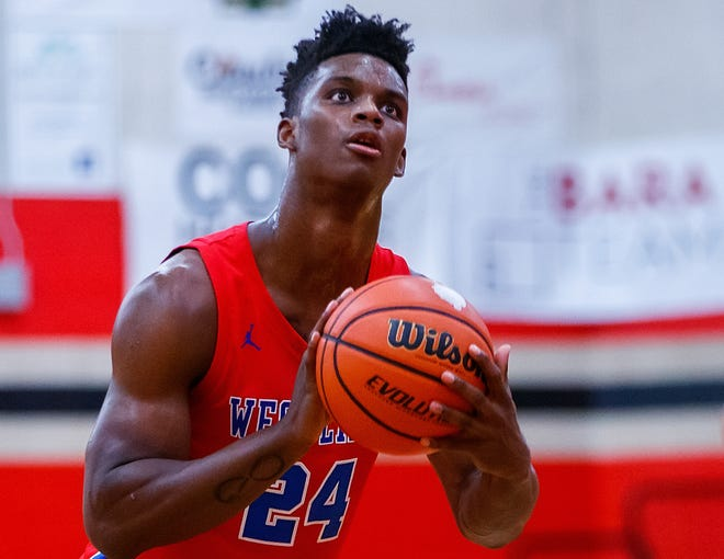 KJ Adams, a Westlake senior, continued his season-long domination of opponents by averaging 25.6 points in the Chaps' three wins last week. He poured in 30 points in the win against Akins, tallied 29 points vs. the Rattlers and ended with 18 points against Bowie.
